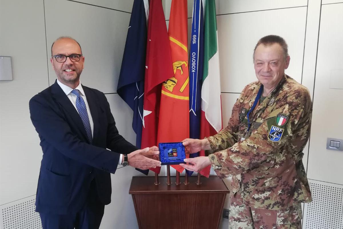Angelino Alfano in visita alla Base NATO JFC Naples